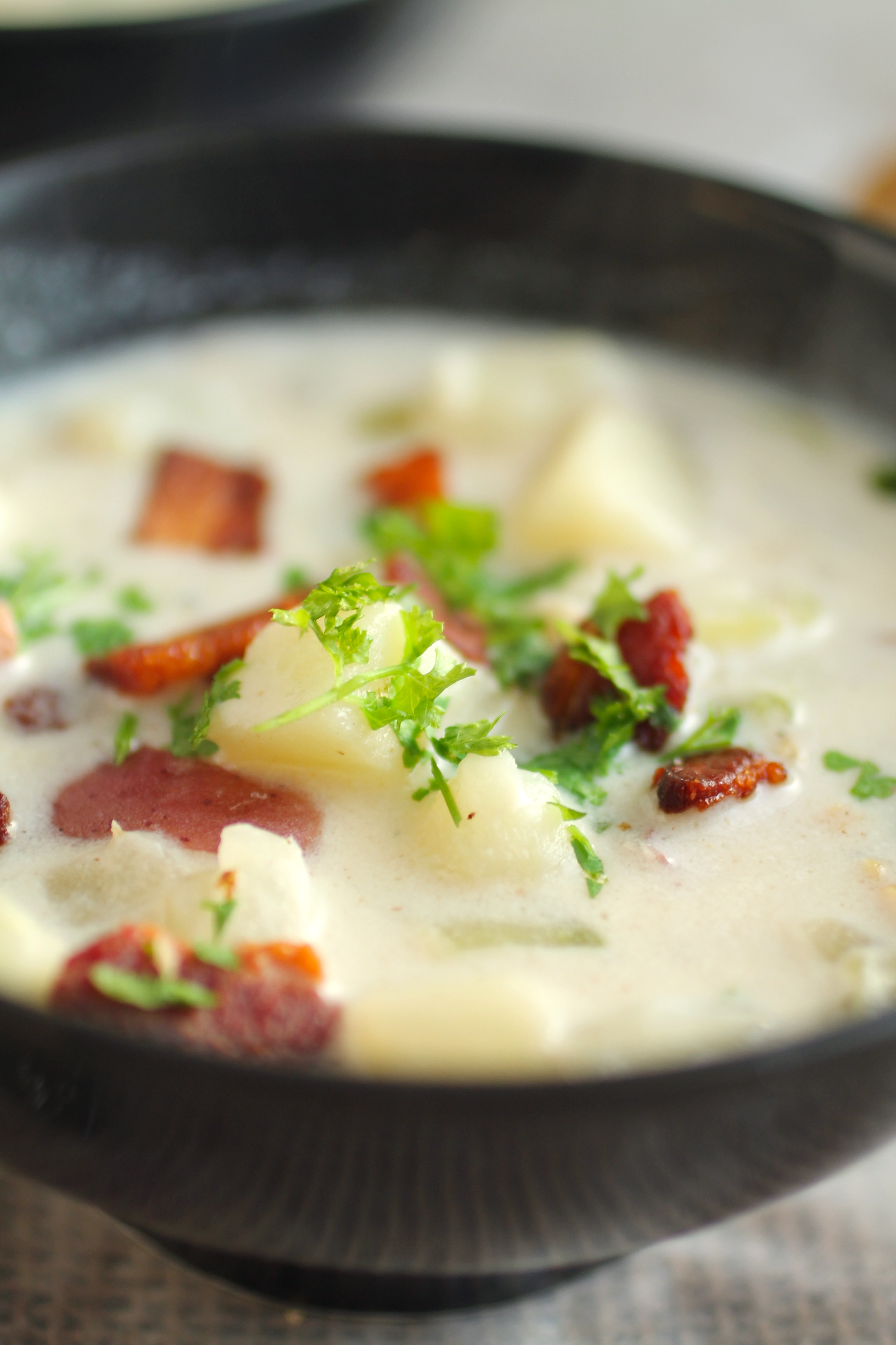 New England Clam Chowder | Homemade New England Clam Chowder is easier than you think - whip some up in less than an hour with this easy homemade clam chowder recipe!