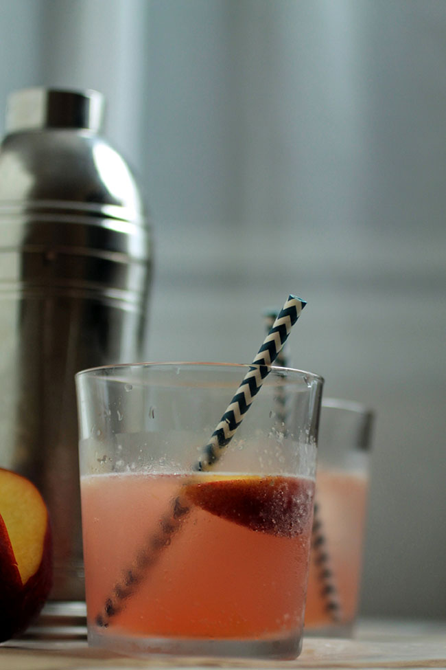 Peach Bourbon Spritzers | Life As A Strawberry