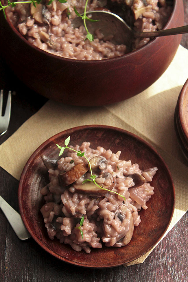 Red Wine, Mushroom, and Thyme Risotto | This red wine risotto recipe ...