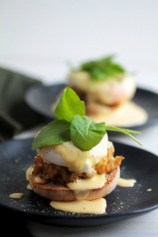 Crabcake eggs benedict recipe with homemade hollandaise sauce - quick and easy to make and perfect for brunch or breakfast!