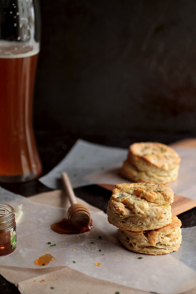 Chive and Cheddar Beer Biscuits | Step up your brunch game with this recipe for easy cheddar beer biscuits! Perfect for an easy breakfast recipe or as a side dish to your favorite soups, chilis, and stews. Vegetarian.