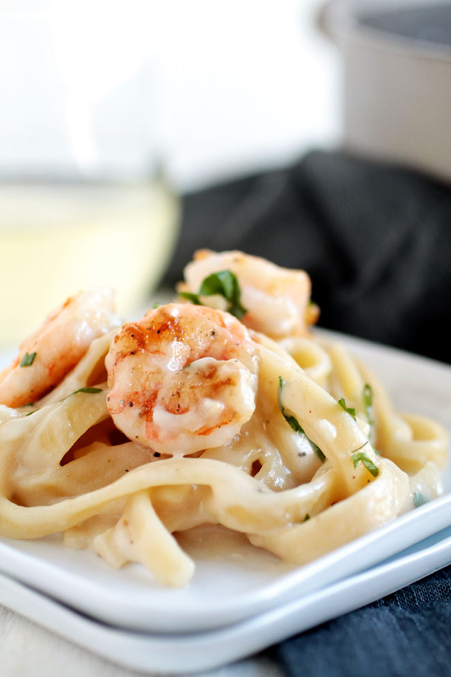 Shrimp fettuccine with white wine parmesan sauce