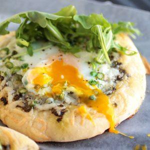 spring breakfast pizza