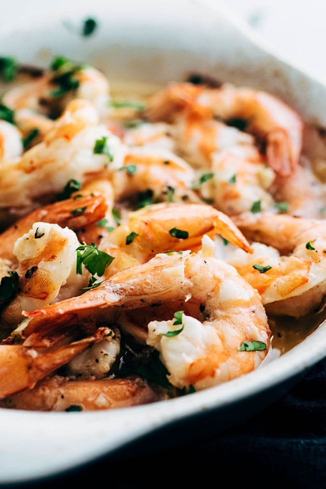 Oven baked shrimp scampi recipe with white wine garlic sauce